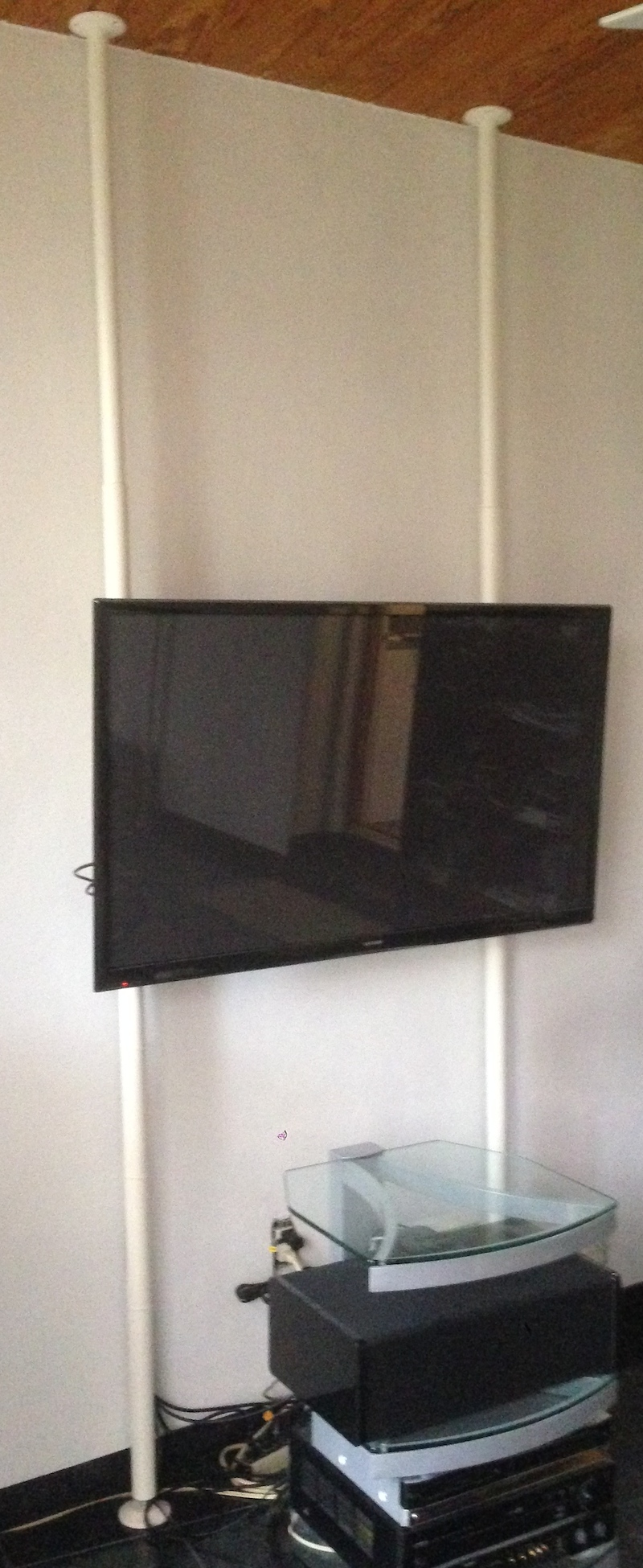 wall mount tv without drilling holes tronics kroesche io. Black Bedroom Furniture Sets. Home Design Ideas